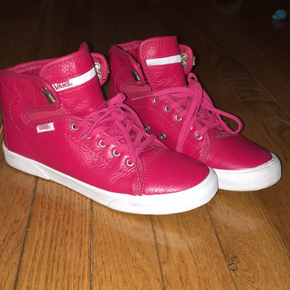 ba498c8acc02b1 Vans Shoes - LIKE NEW red high top VANS size 5.5